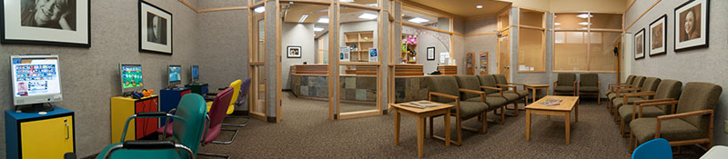 The bright and friendly waiting room and office of Great Grins for KIDS - Oregon City